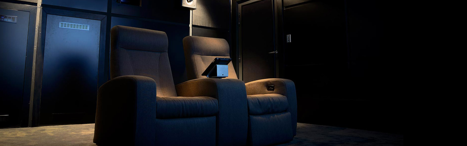 dbox-home-cinema-poltrone-2